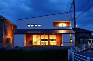 西今町の家12「外観夜景」